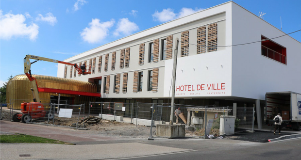 Ch teau d olonne 1er conseil dans la nouvelle mairie for Piscine chateau d olonne