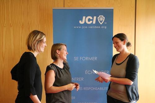 Nathalie Raud, chargée de communication Crédit mutuel, Mylène Seyeux, JCE, et Marie Dubuc, JCE.